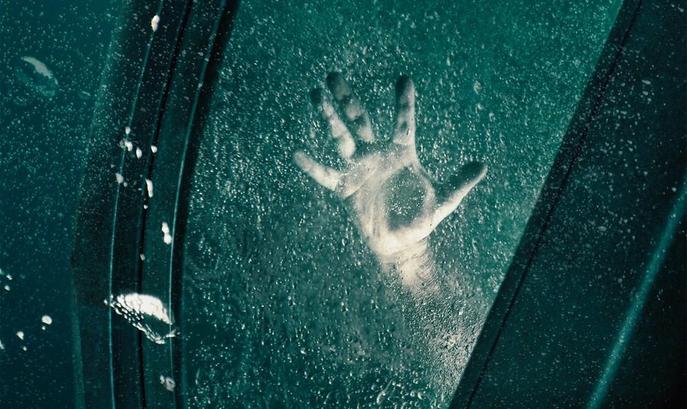 IFC MIDNIGHT PRESENTS: SUBMERGED (DEC. 18, 19, 23) A Terrifying Underwater Thriller!